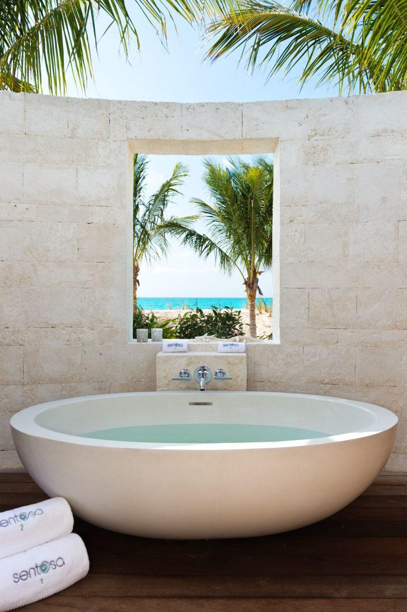 Sentosa Exterior Bath